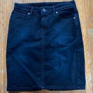 Levi's denim stretch skirt sz 26